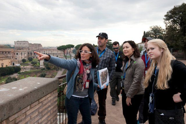How Tour Guides Abroad Learn to Cater to Exotic Americans