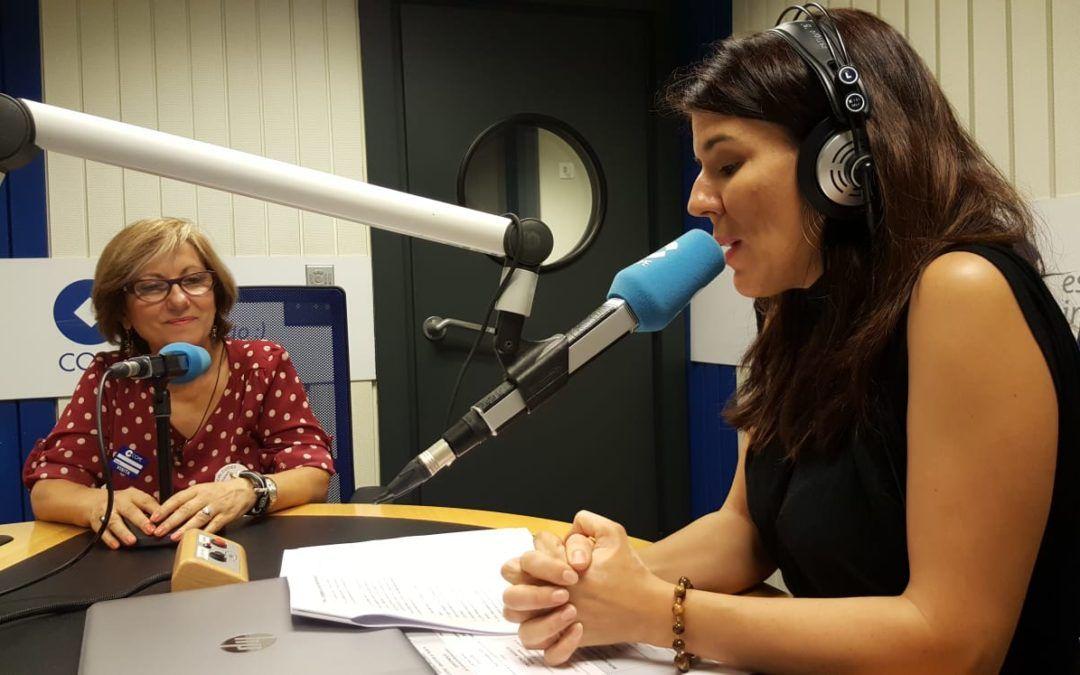 María José Bernal, miembro de Apit Madrid charla en la COPE de los Guías Oficiales y de los Free Tours.