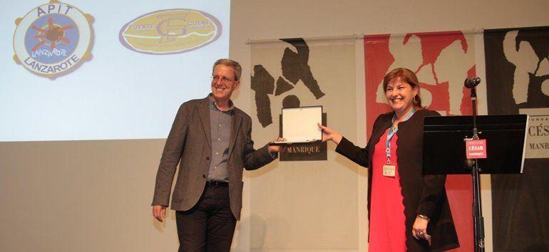 CEFAPIT entregó la 'Mención de Honor de la Excelencia Turística' a la Fundación César Manrique por su «compromiso y buen hacer» con el colectivo
