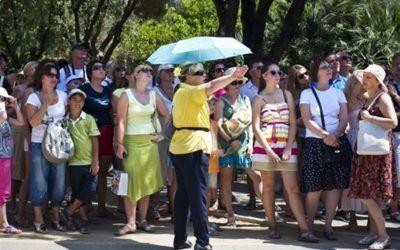 Los guías turísticos reclaman medidas para combatir la competencia desleal de los 'free tours'