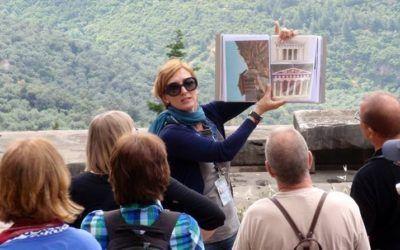 Aunque el intrusismo llama a la puerta de esta profesión, ser guía de turismo requiere de un título habilitante que supone cumplir con una serie de requisitos.