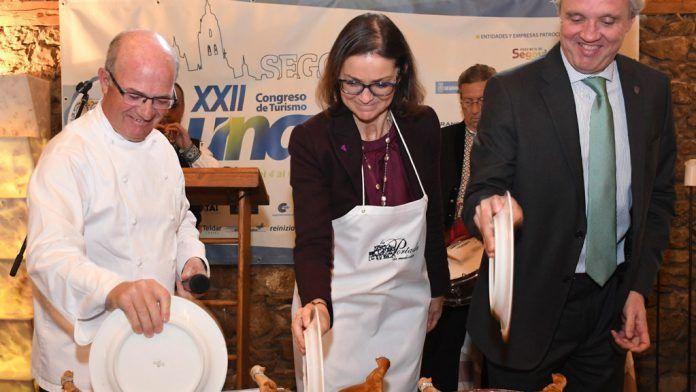 La ministra Maroto tranquiliza al sector ante el reto del Brexit en el XXII Congreso de Turismo UNAV 2019, Segovia.