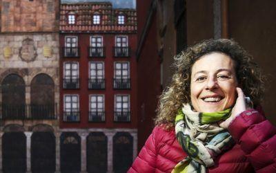 La presidenta de la Asociación de Guías Oficiales de Valladolid asegura que la crisis «hizo que el español dejase de salir fuera para hacer turismo y empezase a viajar por su país y a conocerlo mejor»