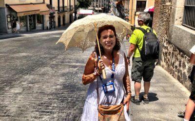 «Alguien va a un chino, se compra un paraguas y ya es un guía turístico», denuncia la presidenta de la  Cefapit Almudena Cencerrado en RNE