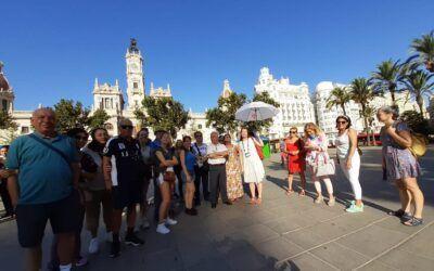 Almudena Cencerrado, presidenta de CEFAPIT, ante la decisión Delegación del Gobierno en la Comunidad Valenciana de confirmar que pueden realizar tours en entornos urbanos.