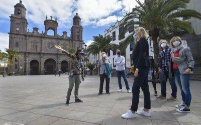 Los guías turísticos se reinventan para sobrevivir frente a la falta de visitantes.